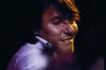 Fabrizio durante il tour con la PFM, 1979 :: foto Guido Harari