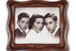 Fabrizio con Mauro e mamma Luisa, 1950 :: Archivio Fondazione De Andrè